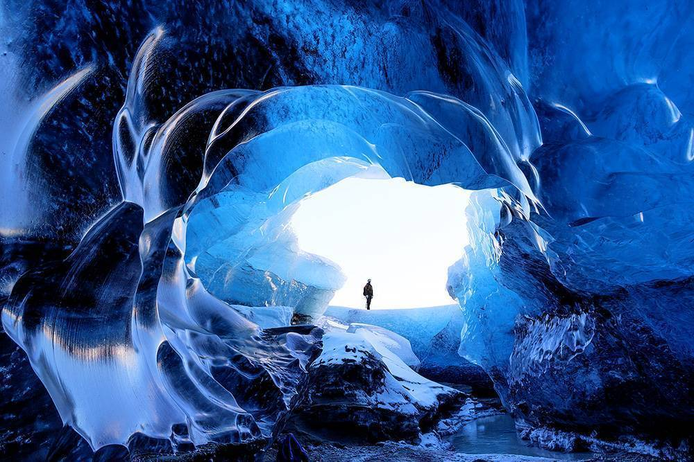ice cave photo tour